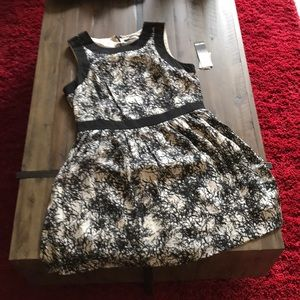 Kensie NWT dress XL black and white w: zip back